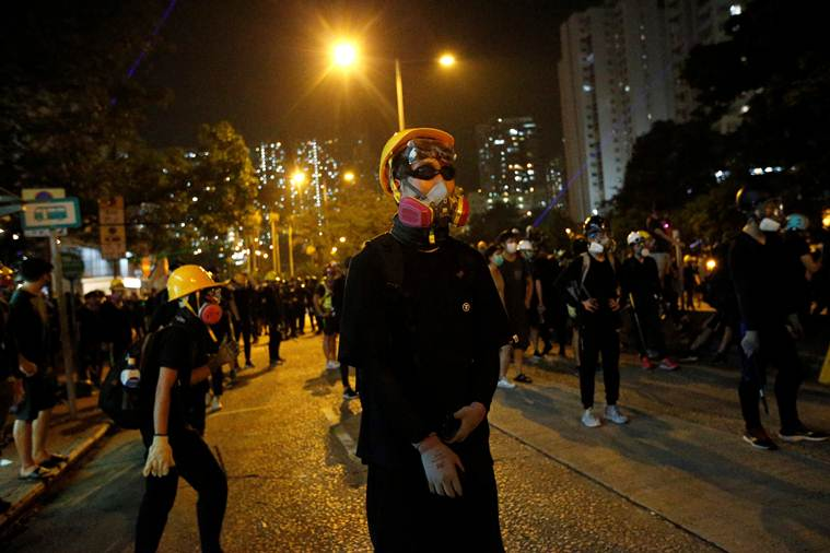 hong kong protests, hong kong protestors hong kong police, protests in hong kong, hong kong extradition bill, hong kong extradition bill protests, world news, Indian Express