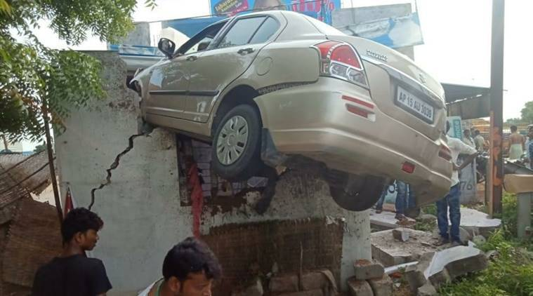 Hyderabad car accident, car accident Hyderabad, car on roof of teashop in Hyderabad, Hyderabad police, india news