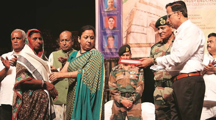 I-Day in Mumbai: Shanmukhananda Sabha honours eight war widows, Army Captain
