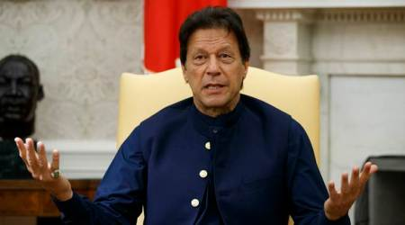 Imran Khan asks Pakistanis to come out on roads, show solidarity with Kashmiris