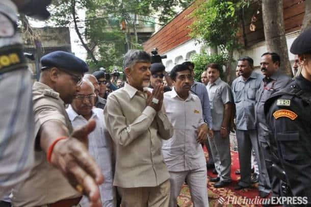 Arun jaitley dead, arun jaitley funeral photos, arun jaitley funeral, arun jaitley residence, rajnath singh, LK advani, amit shah, indian express