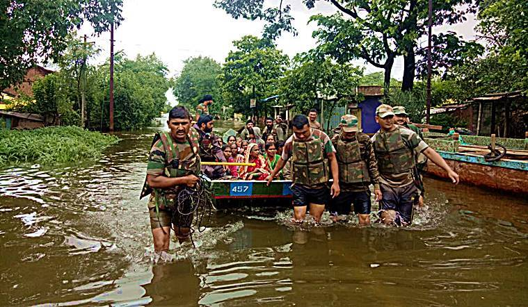 karnataka, karnataka floods, BS Yediyurappa karnataka flood relief, karnataka weather update, Indian express