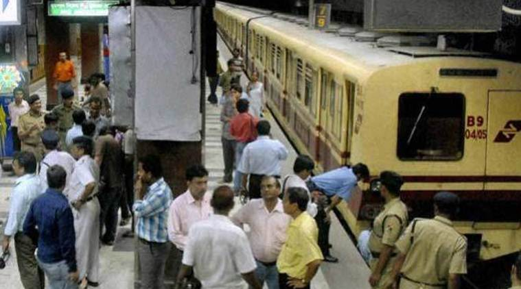 Packed Kolkata Metro train completes entire journey with