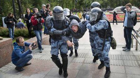 Moscow protests: 'It is our civic duty to go out on the streets'
