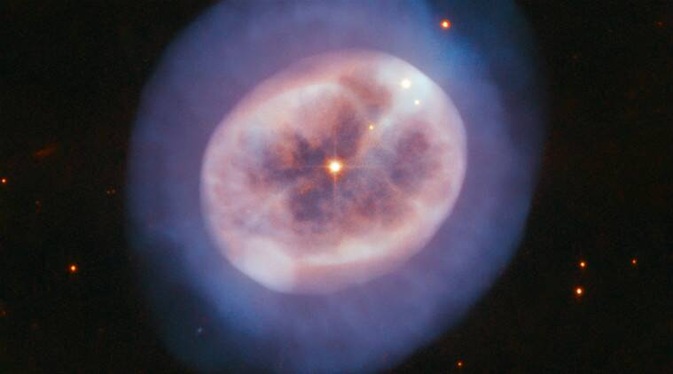 hubble telescope, nasa, gaseous glow, star gas glow, elderly star, ngc 2022