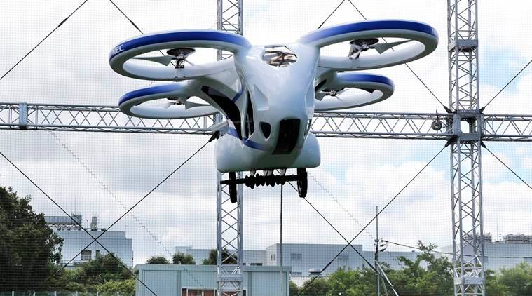 Flying auto  takes flight briefly in Japan