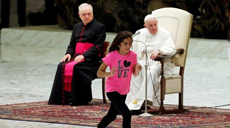 pope francis, pope general audience sermon, sick girl goes on stage pope sermon, sick girl dance clap pope sermon, vatican news, indian express, viral videos