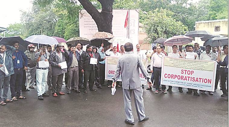 All India Defence Employees' Federation, AIDEF, Indian National Defence Workers' Federation, INDWF, Bhartiya Pratiraksha Mazdoor Sangh, BPMS, pune protest, india news, Indian Express