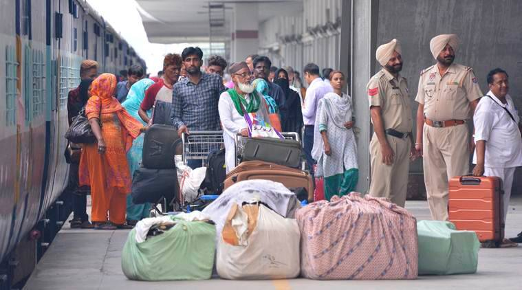 Samjhauta Express, which was stopped at Wagah border, arrives in Delhi over four hours late
