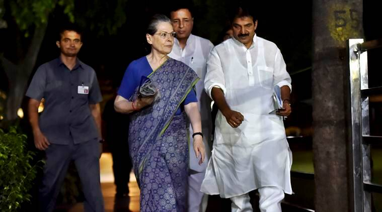 Sonia Gandhi Congress party, Congress president Sonia Gandhi, CWC meeting, Congress, Rahul Gandhi, CWC meeting live updates, new congress president, Indian Express
