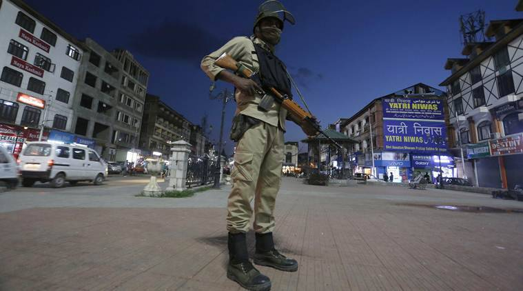 Jitters in Valley: J-K calls off Amarnath Yatra, tells tourists to leave