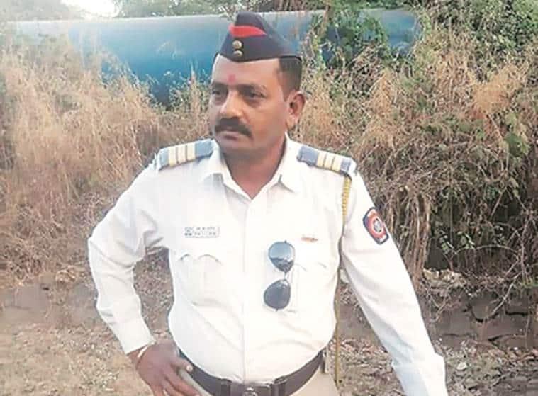 mumbai traffic police accident, mumbai traffic constable run over by truck, Sanjiv Patil, Ambernath police station accident, mumbai city news