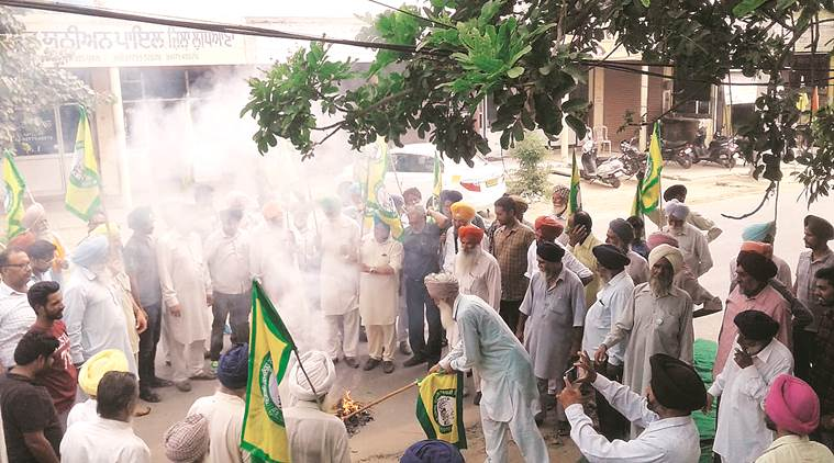 Protest dharnas across Punjab in Kashmir's support