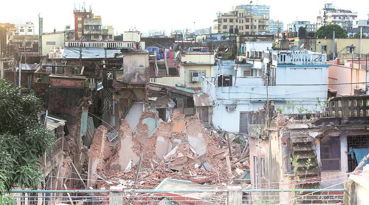 After cracks in buildings, house collapses in Bowbazar