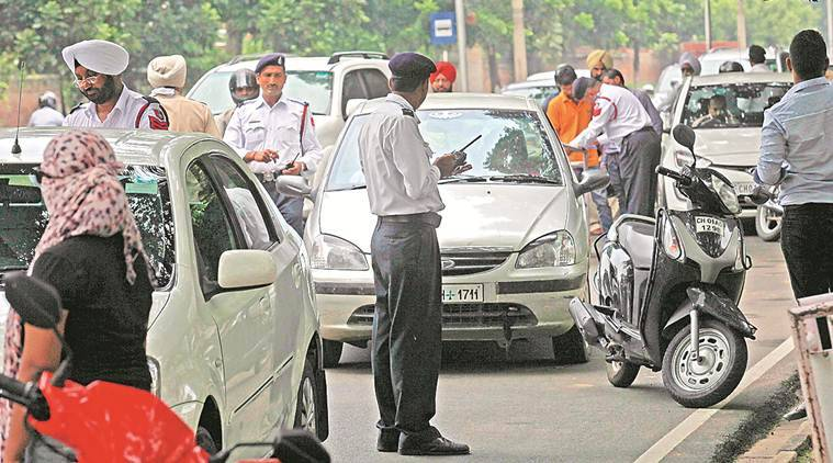 chandigarh, chandigarh drivings, driving while talking, chandigarh traffic rules, chandigarh road safety, chandigarh traffic police, chandigarh news, indian express