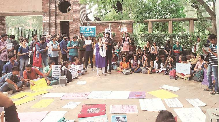 Elgaar Parishad case, Pune police search DU professor's house in Noida, du professor elgaar parishad case, du protests, delhi news