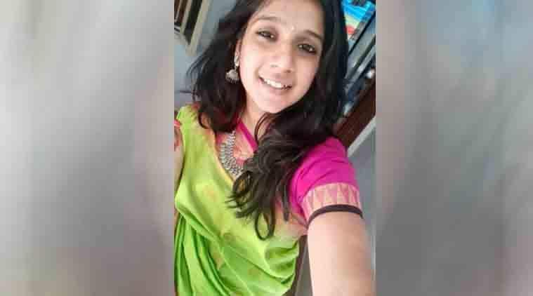 Chennai woman, chennai accident, Banner accident, Pallikaranai, Subashree, Indian Express News, Chennai News