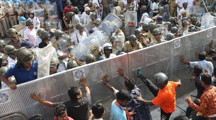 abvp protest kolkata, abvp protest jadavpur university, babul supriyo, babul supriyo attacked, kolkata city news, jadavpur university news