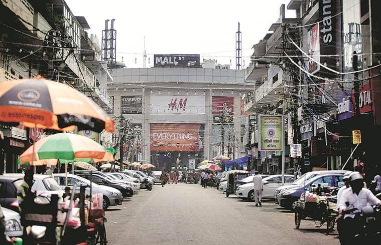 delhi parking problem, parking problem in delhi, lajpat nagar parking issue, krishna nagar parking issue, kamala nagar parking issue, delhi traffic, delhi news