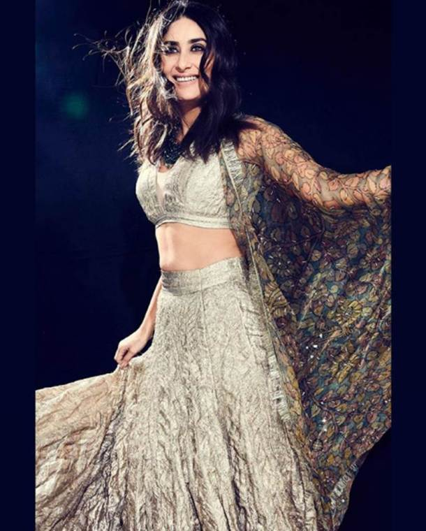deepika padukone, priyanka chopra, kareeena kapoor, Madhuri dixit, sonakshi sinha, fashion hits and miss of week, best bollywood looks, indian express, indian express news