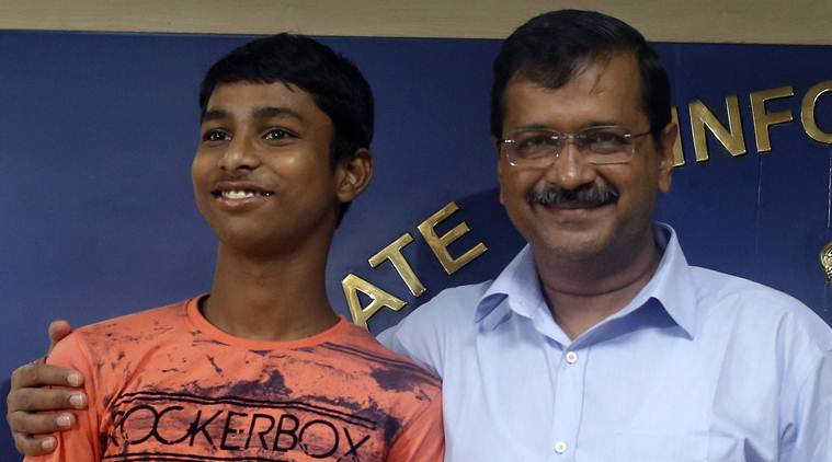 arvind kejriwal, delhi family to support iit student, delhi family to support student at iit delhi, iit delhi, delhi news