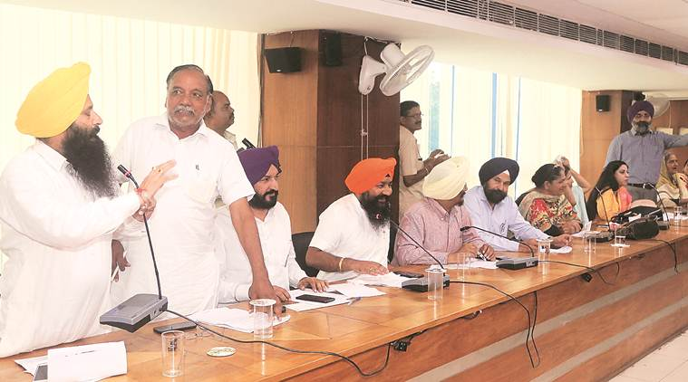 Mohali: SAD, Cong councillors spar over taking credit for city's development work