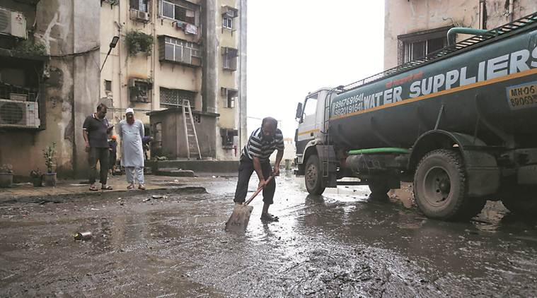 Mumbai rains, Mumbai news, death toll in mumbai rains, Mumbai waterlogged, Mumbai weather, Indian express