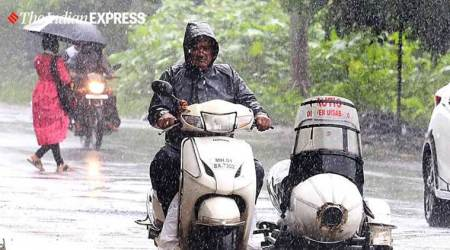 Mumbai rains pics, Mumbai rains, Mumbai traffic, Mumbai rainfall pics, Mumbai, Mumbai news, Indian Express