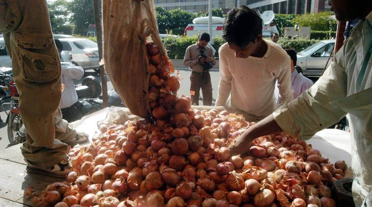 Maharashtra: Fear of action on violation of stock limit hikes onion prices
