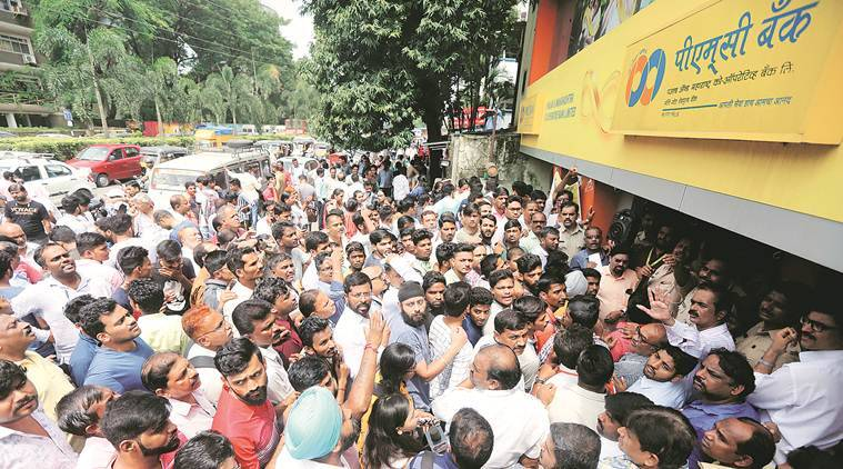 Punjab and Maharashtra Cooperative bank collapse, pmc bank collapse, pmc bank workers protest, bank workers protest in mumbai, mumbai city news