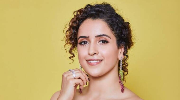 After Pack Up: Sanya Malhotra plays with her cat Laila to unwind after work