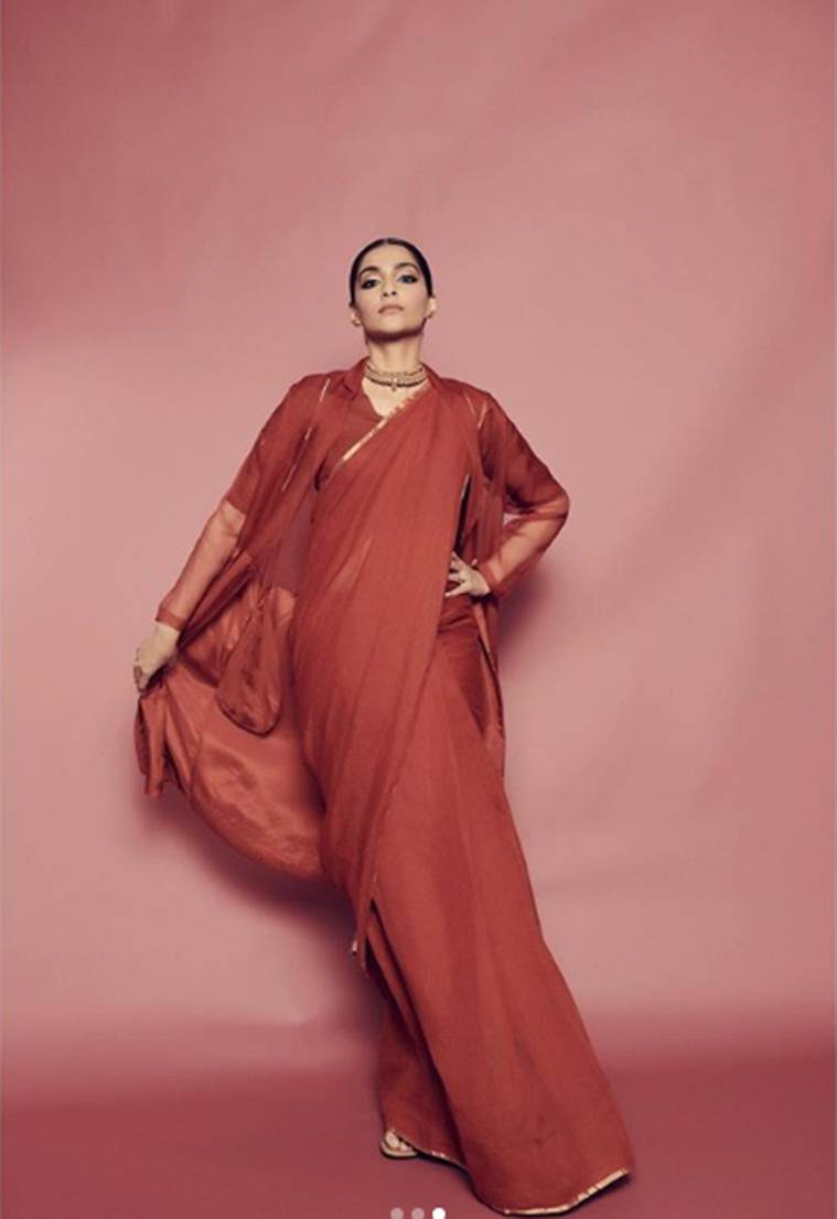 Sonam kapoor, anavila misra, sonam in anavila sari, easy everyday sari