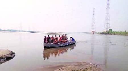 Delhi, Delhi city news, Yamuna Expressway, men drown in yamuna, men drown in yamuna during ganesh chaturthi