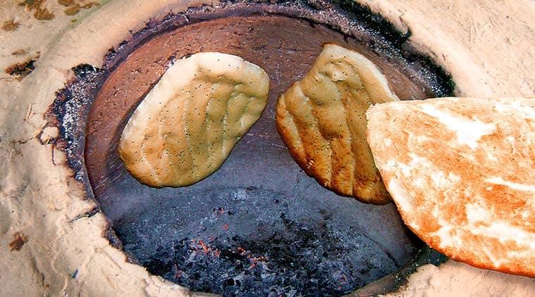 indian bread, tandoori bread, Indus Valley site of Kalibangan, KT Achaya, Moti Mahal restaurant, Kundan Lal Gujral, indian express eye