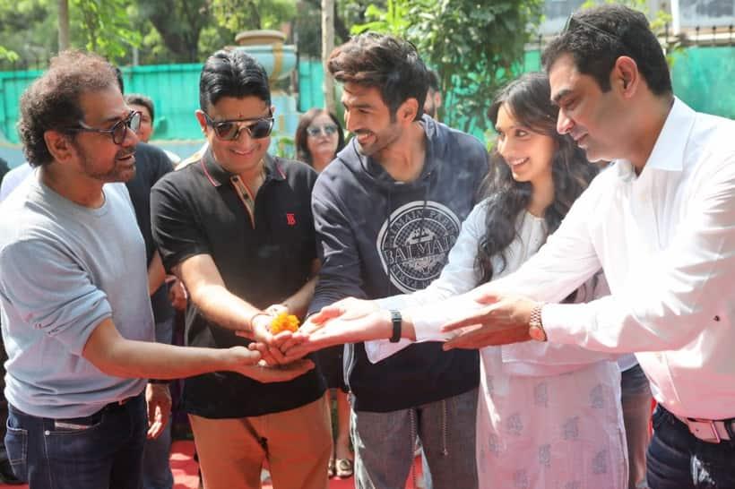 Bhool Bhulaiyaa 2, Kartik Aaryan, Kiara Advani, Bhool Bhulaiyaa 2 shoot, Kartik Aaryan Kiara Advani film, Kartik Aaryan Kiara Advani Bhool Bhulaiyaa 2, Anees Bazmee, Kartik Aaryan Kiara Advani, Bhool Bhulaiyaa 2 cast, Bhool Bhulaiyaa 2 film, Bhool Bhulaiyaa