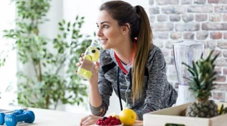 air pollution, delhi smog, delhi winter, indianexpress.com, indianexpress, how to beat pollution, detox drinks, carrot juice, lemon water, ginger benefits,