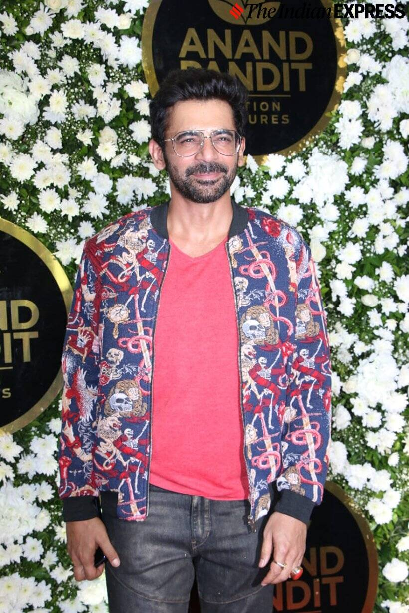 sunil grover at Diwali party
