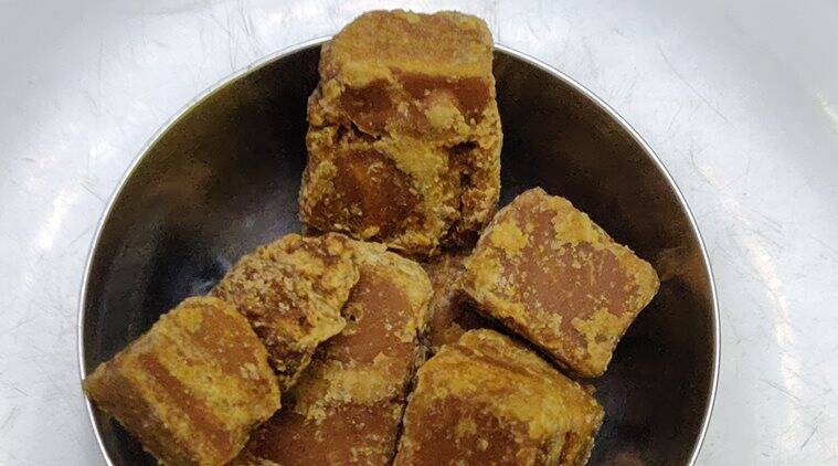jaggery, benefits of jaggery, what is jaggery, gur, benefits of gur, jaggery and weight loss