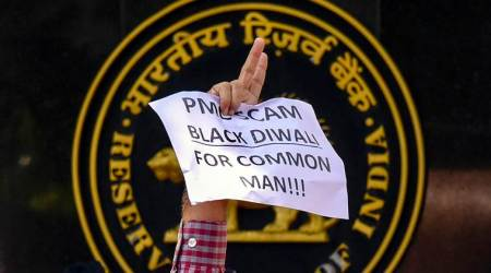 pmc bank fraud, rbi pmc bank restrictions, pmc rbi cash withdrawal limit, hdil promoters pmc bank, pmc bank depositors protest