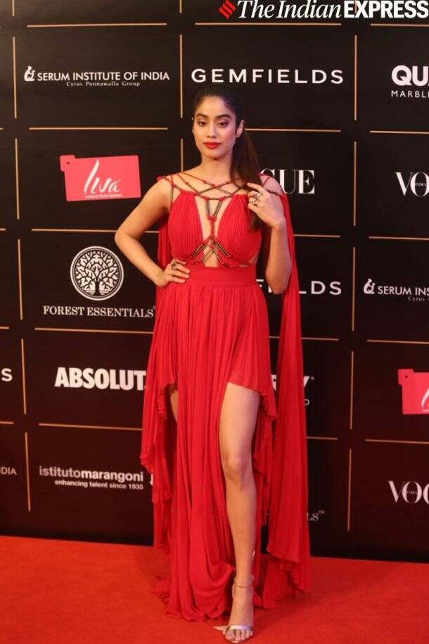 janhvi kapoor at vogue women of the year awards 2019