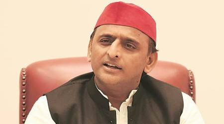 Akhilesh Yadav, Chhibramau bus accident, akhilesh asks doctor to get out, BJP, RSS, Samajwadi Party, Kannauj hospital, indian express
