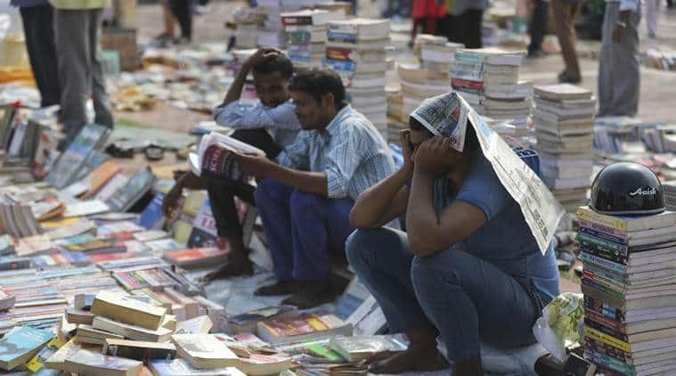 delhi mahila haat, Darya Ganj Sunday book bazaar, darya ganj book market closed, delhi news