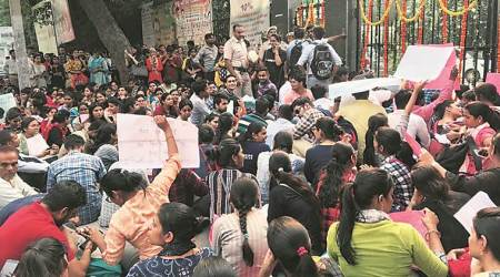 university of delhi, delhi university strike, duta strike, hrd, du vc yogesh tyagi, eductaion news