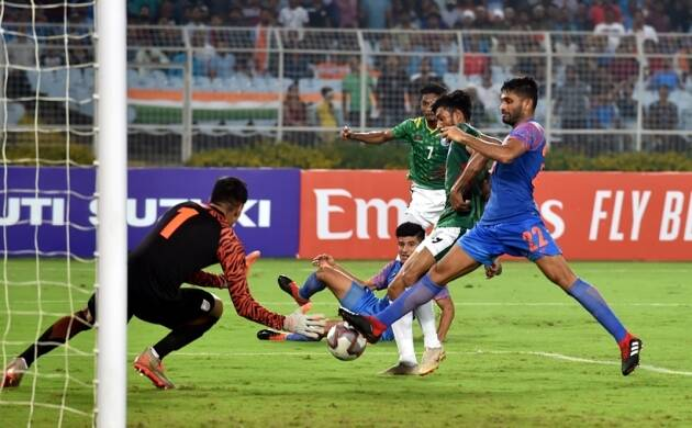india vs bangladesh, ind vs ban, ind vs bangladesh photos, salt lake stadium pics, salt lake photos, world cup qualifier, fifa qualifier