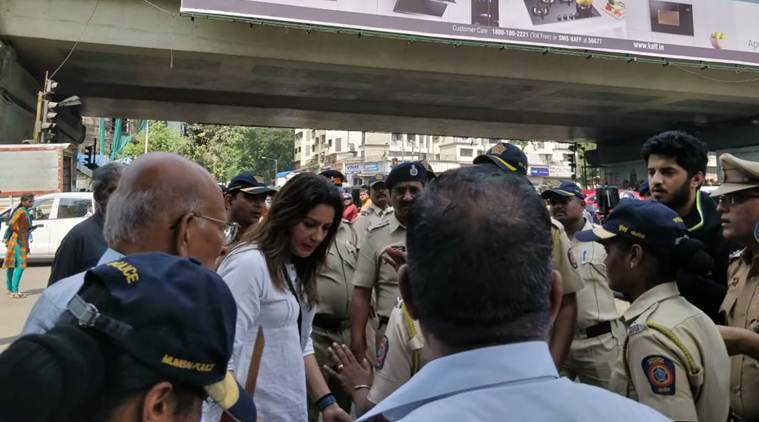 Priyanka Chaturvedi detained after joining Aarey protests in Mumbai