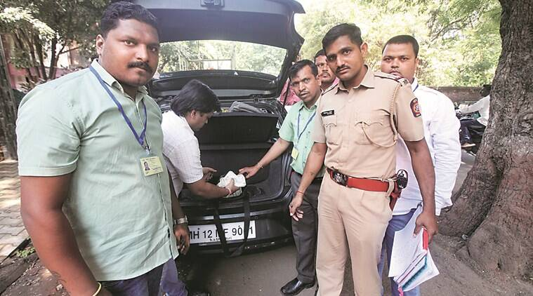 Pune: EC seizes Rs 11 lakh from car; I-T dept probing case
