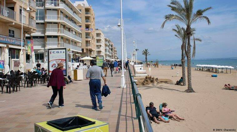 Tourism decline casts shadow over Spain's summer paradises