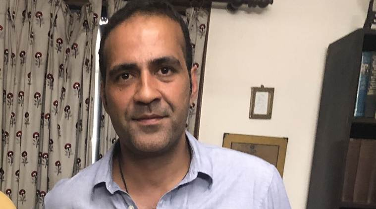 Aatish Taseer, who is Aatish Taseer, Aatish Taseer oci status, Aatish Taseer parents, Aatish Taseer pakistani parents, tavleen singh, tavleen singh son