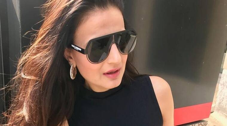Ameesha Patel cheque bounce