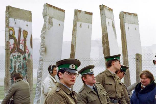 Berlin Wall Fall 30 years History Didnt End
